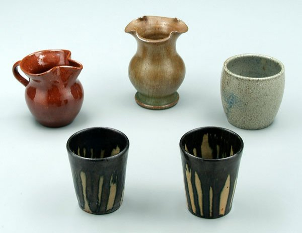 21: Five pieces North Carolina pottery: