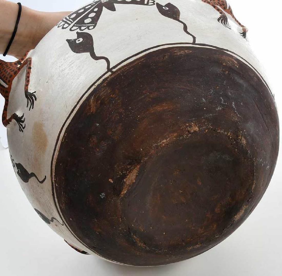 Zuni Pueblo Frog Effigy Bowl - 10