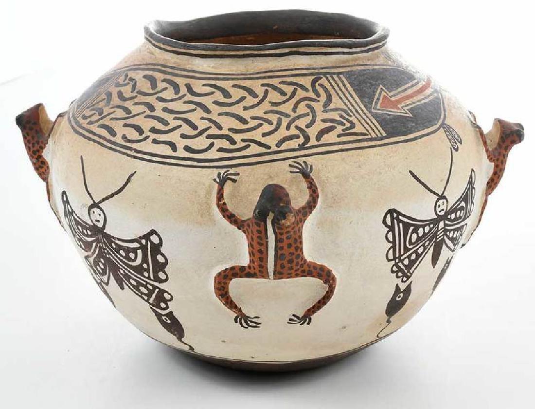 Zuni Pueblo Frog Effigy Bowl - 2