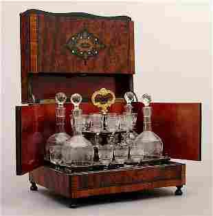 Glass decanter set