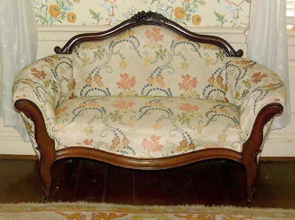 15: Victorian walnut sofa,