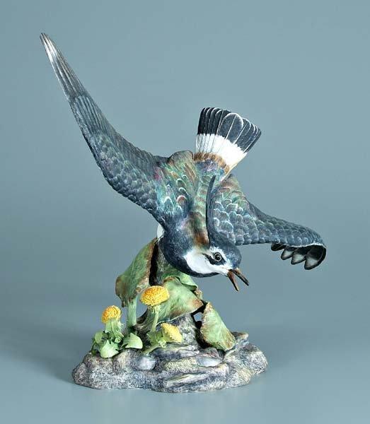 16: Boehm porcelain bird figurine,
