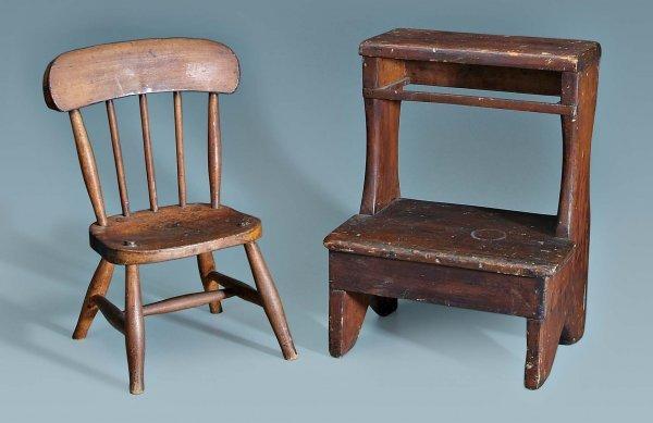 642: Child's plank bottom chair, steps: