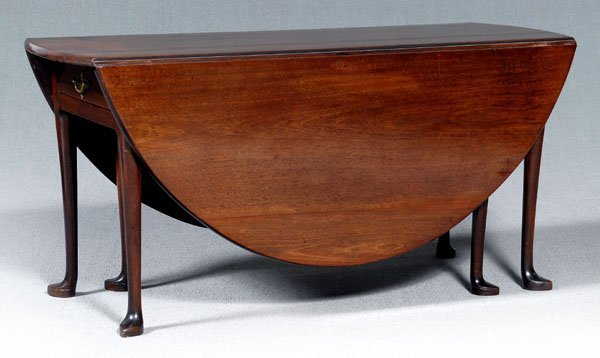107: New York Queen Anne dining table,