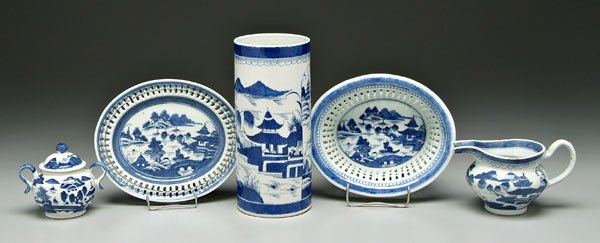 3: Five pieces Chinese Canton porcelain,