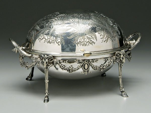 651: Revolving silver plated oval server,