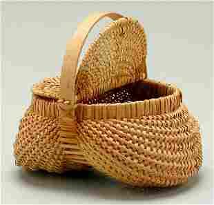 Hinged and lidded oak split basket,