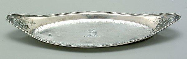 671: English silver wick snuffer tray,