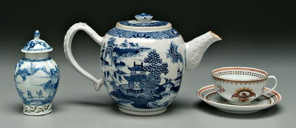 5: Three pieces Chinese export porcelain: