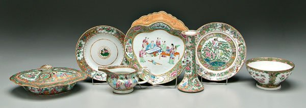 9: Seven pieces Chinese porcelain,