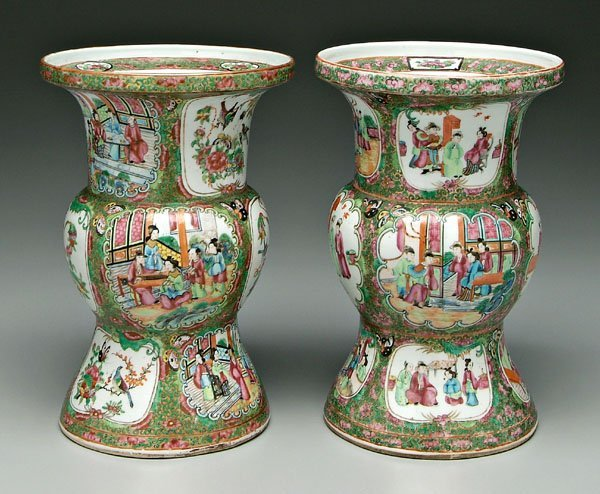 21: Two Chinese porcelain vases,