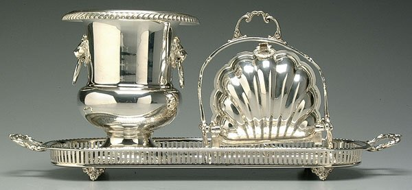 611: Three silver-plated serving pieces: