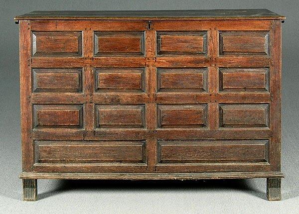 617: 18th century oak blanket chest,