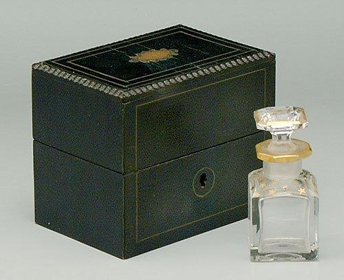 600: Pair perfumes, fine gilt star decoration