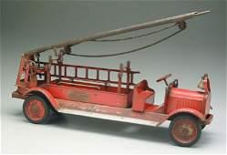 946: Keystone ladder fire truck, Packard mode