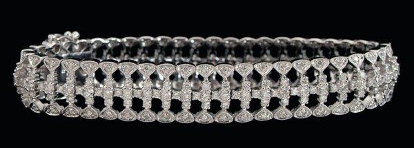 471: Filigree diamond bracelet,