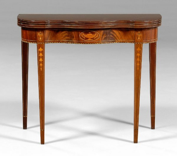 538: Federal style inlaid card table,