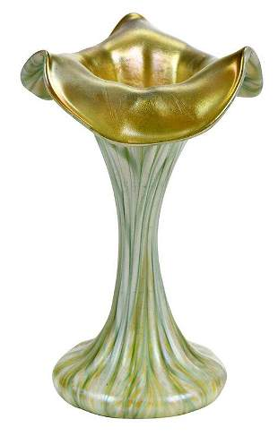 Quezal Small Pulled Feather Art Glass Vase