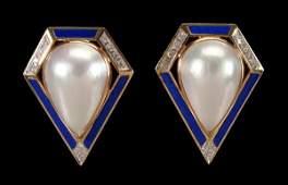 846: Pair pearl, diamond, lapis earrings: