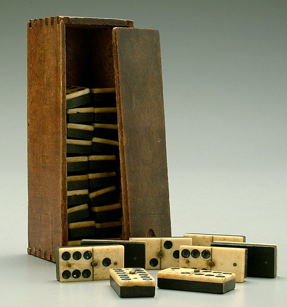 16: Domino set, 19th century,