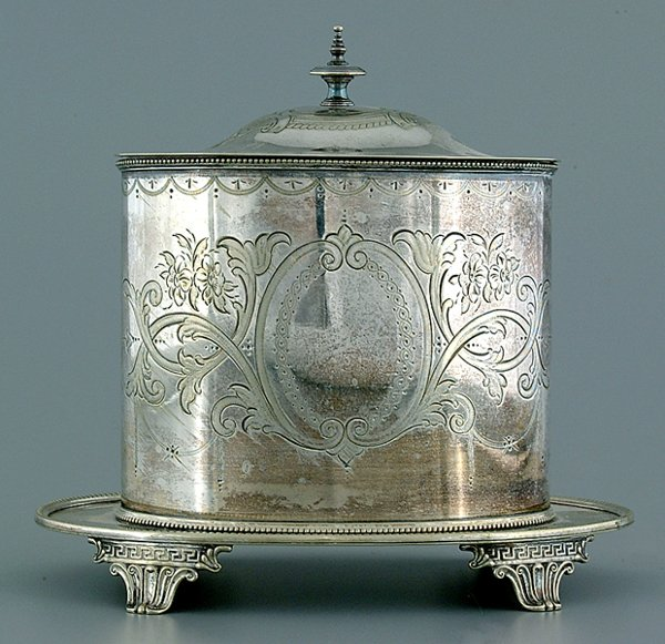 622: Silver-plated biscuit box,