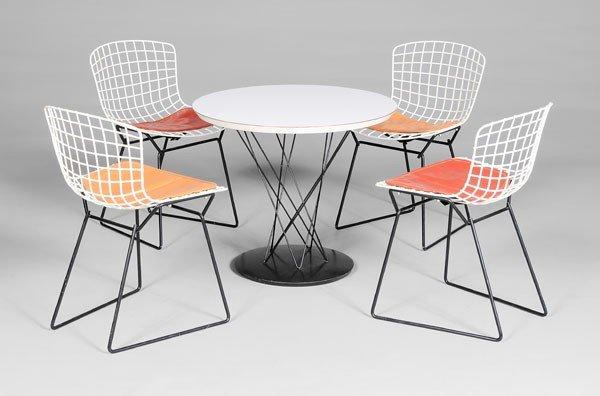 673: Knoll Children's Table