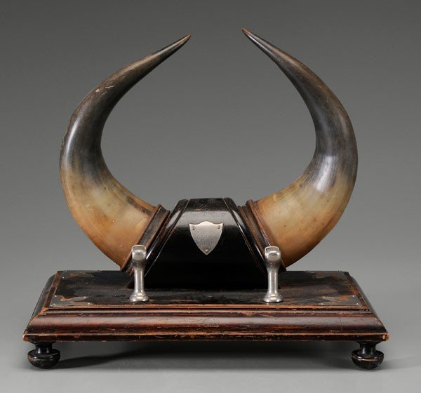 15: Mounted Horn Desk Accessory