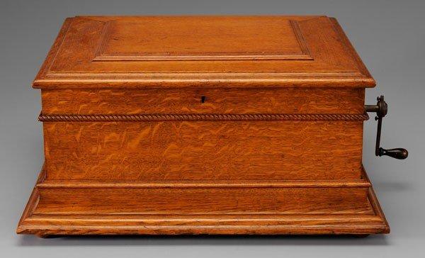 583: Regina Music Box