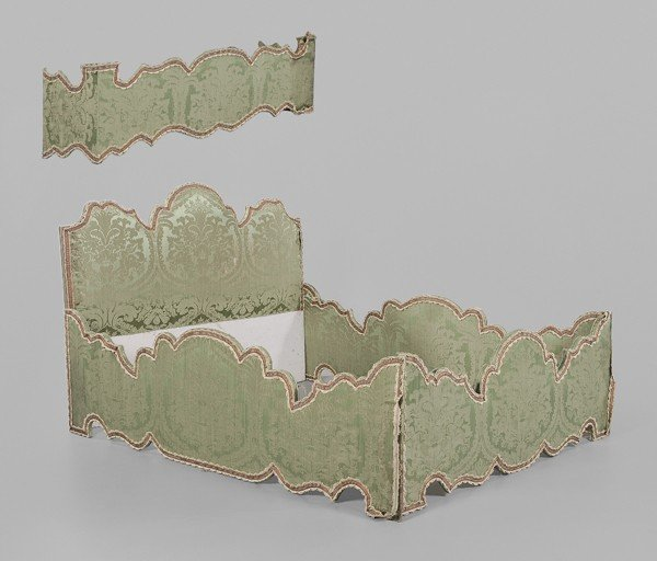 764: Baroque Style Upholstered Bedstead