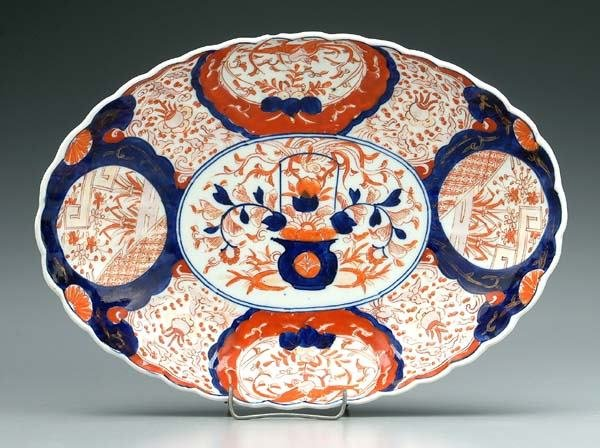 21: Imari footed oval bowl,