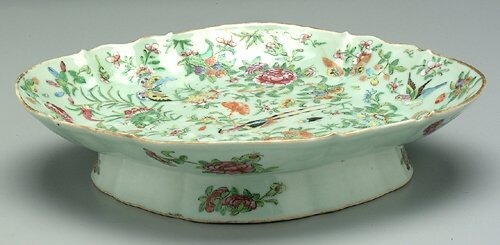 8: Chinese export porcelain serving dish, car