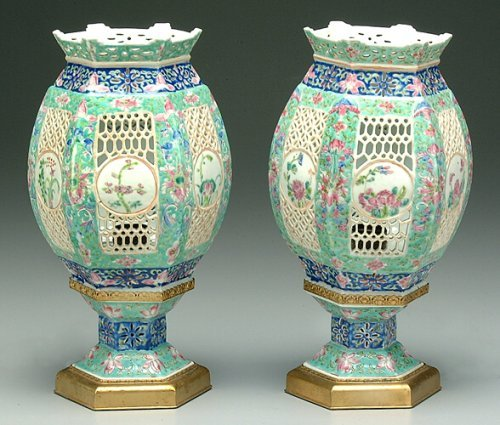 9: Pair two-piece Chinese porcelain lamps, el