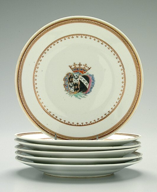 9: Six Chinese export porcelain plates,