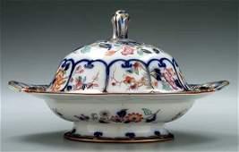 376 Lidded porcelain serving dish