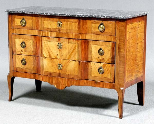 622: Continental parquetry commode,