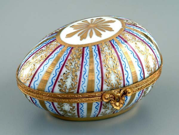 1: Tiffany porcelain egg box,