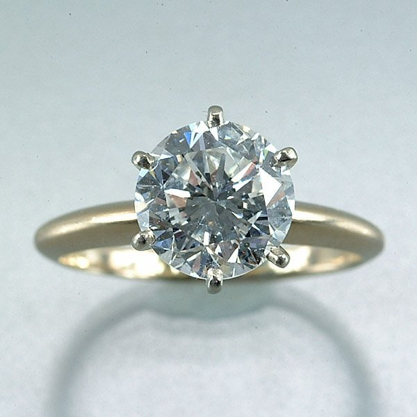 112: Lady's solitaire diamond ring,