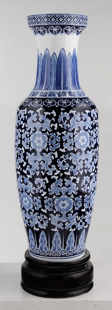 Large Porcelain Blue and White Vase on - 3