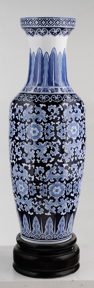 Large Porcelain Blue and White Vase on - 5