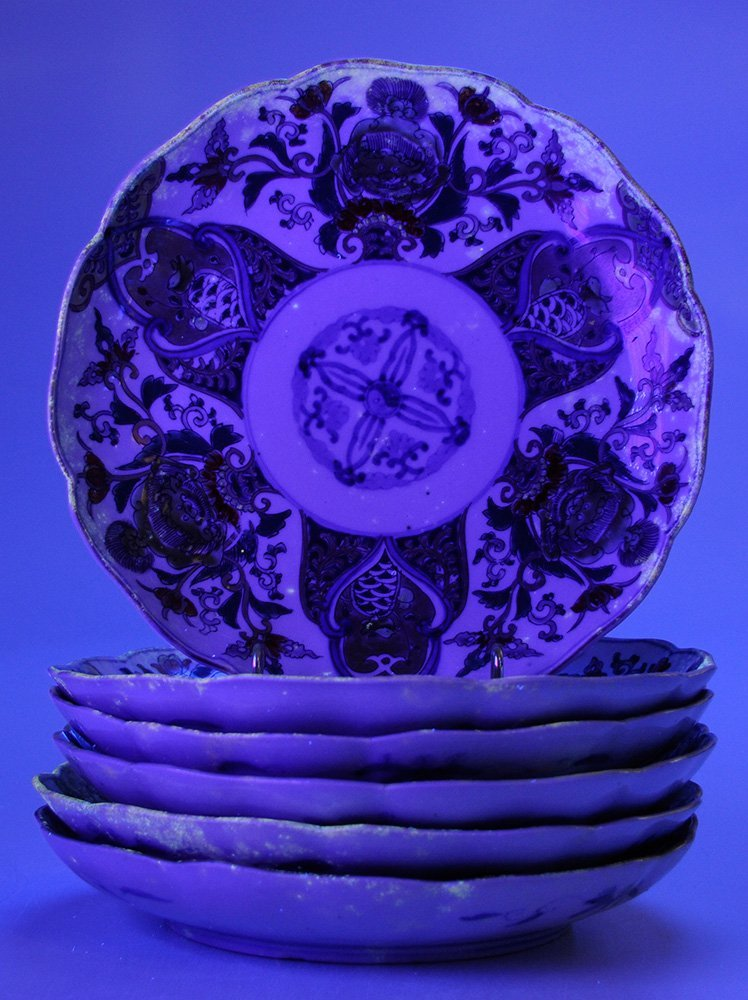 Six Imari Porcelain Deep Plates with - 4