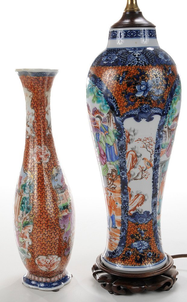 Two Chinese Export Porcelain Vases, - 4