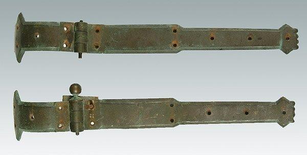 602: Pair heavy brass hinges,