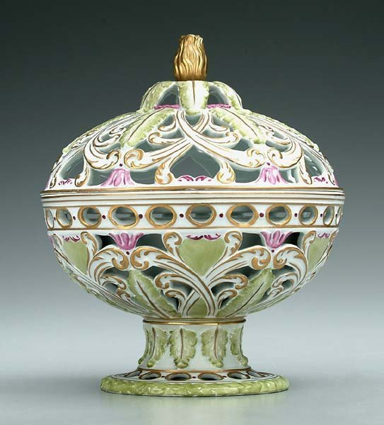 3: Covered Sèvres-style jar,