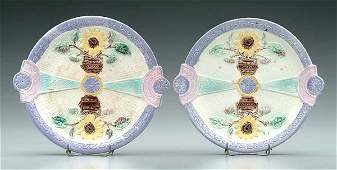 625 Two majolica plates