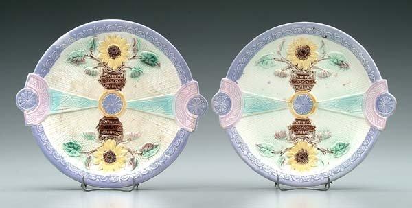 625: Two majolica plates: