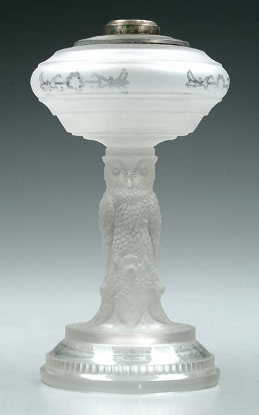 626: Pressed glass lamp base,