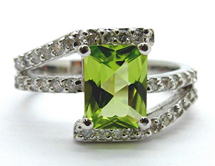 2.02ct Diamond and Peridot 14k White Gold Ring