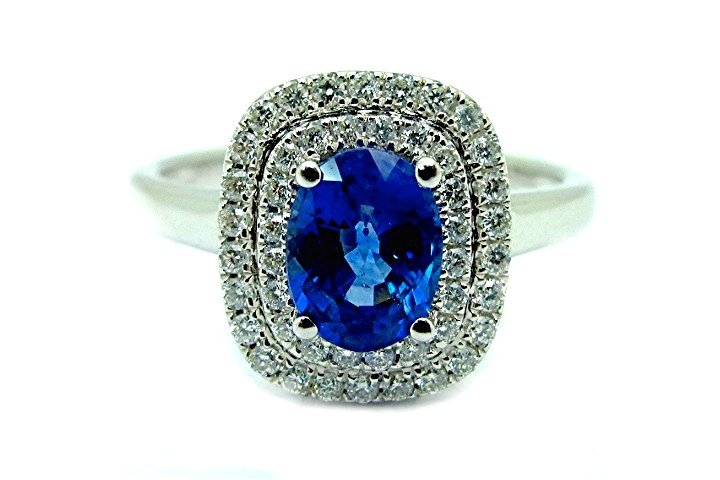 1.40ct Diamond and Sapphire18K White Gold Ring