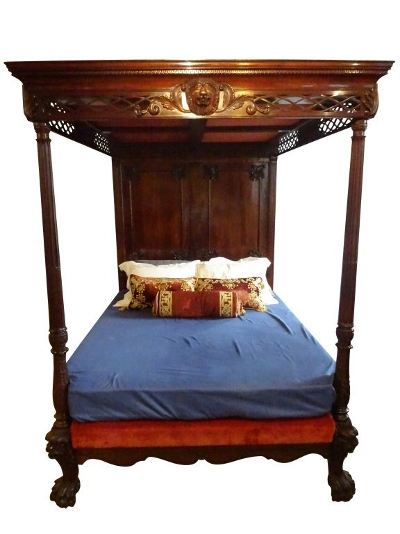 GEORGIAN: Mahogany Lion Motif Canopy Bed