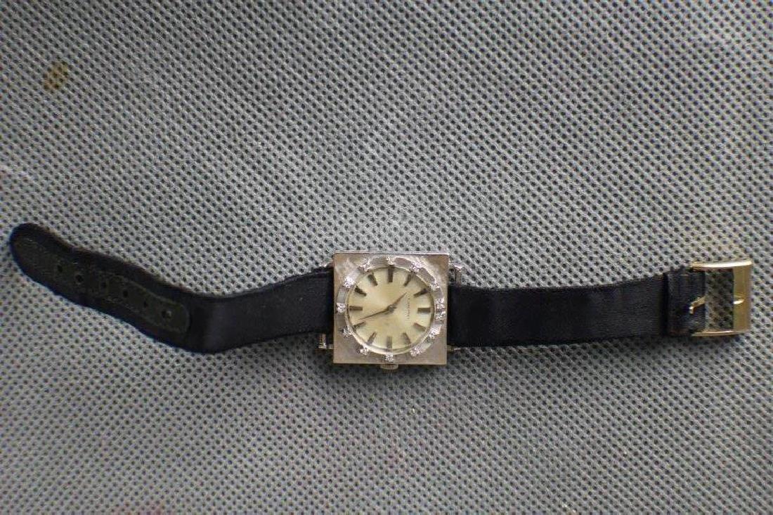 A White Gold Watch w Diamond